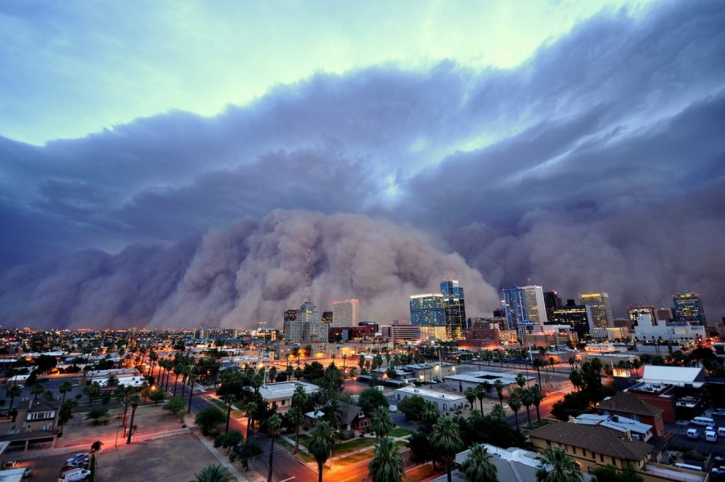 Dust Storm about to engulf Downtown Phoenix. Source: Daniel Bryant danielbryant.zenfolio.com