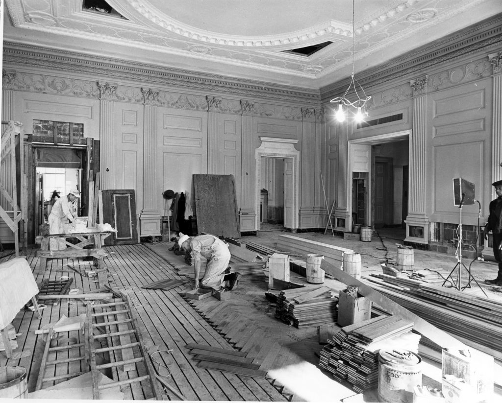 iew Of The State Dining Room During The White House Renovation